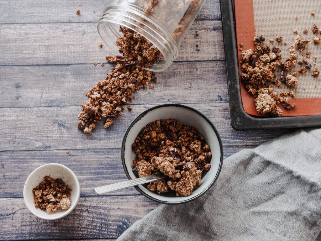 Granola fait maison beurre de cacahuète et chocolat